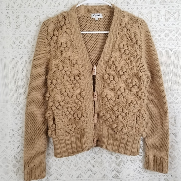 Vintage Sweaters - Carducci Bobble Wool Blend Toggle Button Sweater